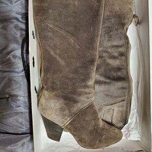 Knee high heel suede zip boots very comfortable